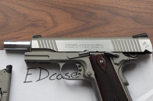 KWC/Cybergun Colt 1911 Rail Gun Co2 - Gas Pistols - Airsoft